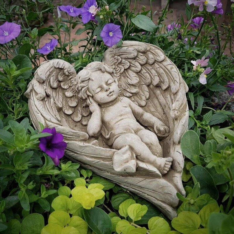 garden cherub statue ornament