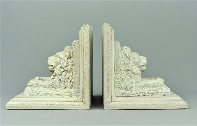 Lion Bookends Cream Distressed