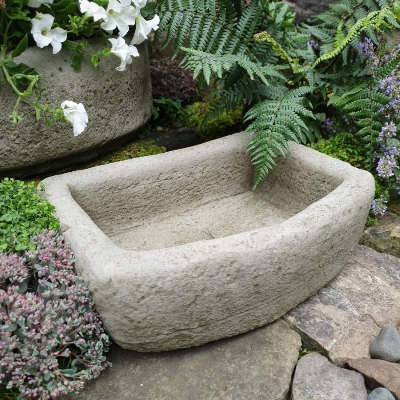 2 Garden stone Planters